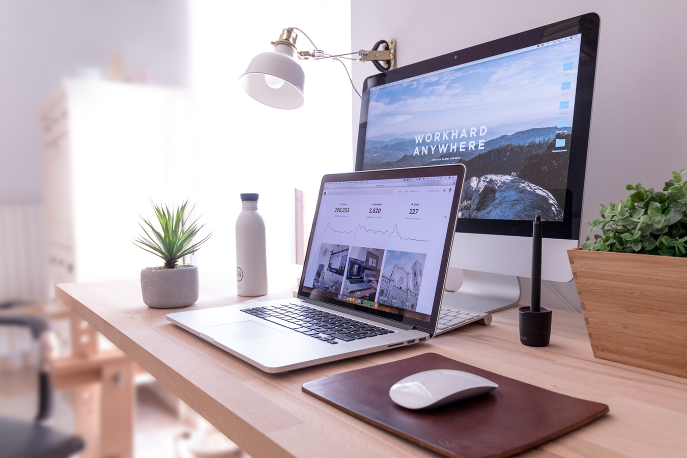 photo of a MacBook pro desk